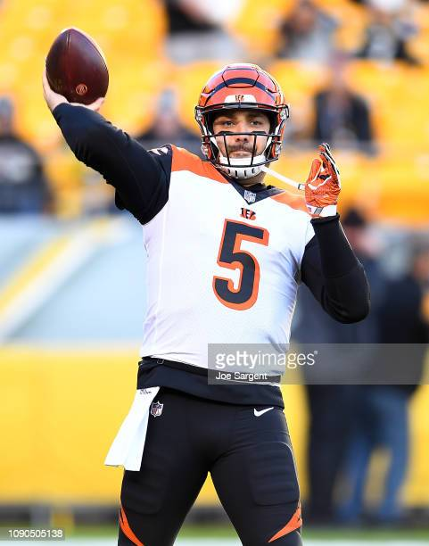 Tom Savage of the Cincinnati Bengals warms up prior to the game against the Pittsburgh Steelers at Heinz Field on December 30 2018 in Pittsburgh...