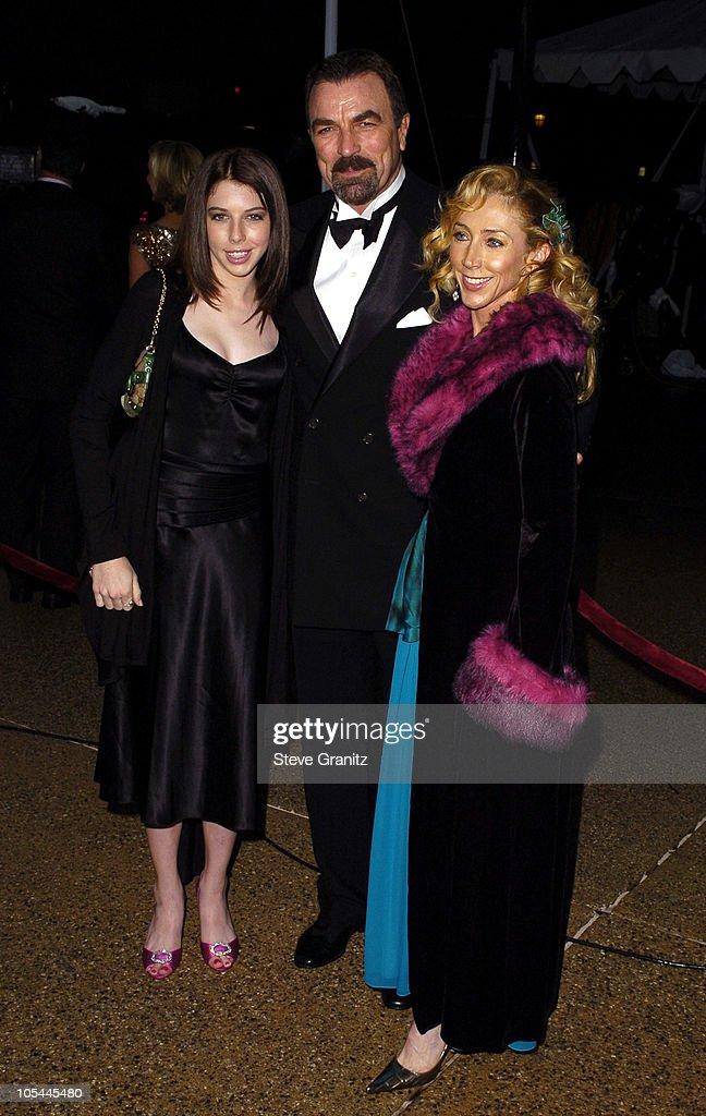 Tom Selleck (center), daugher Hannah and wife Jillie Mack