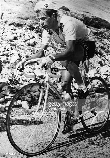Tom Simpson Britiish road racing cyclist on his bike during the 12th stage of the Tour de France the day before his death from exhaustion on the...