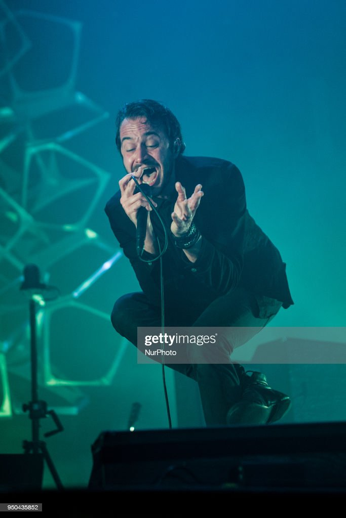 Editors perform in Milan