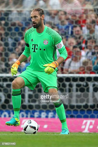 Tom Starke of Bayern Muenchen runs with the ball during the friendly match between SV Lippstadt and FC Bayern at Stadion am Bruchbaum on July 16,...