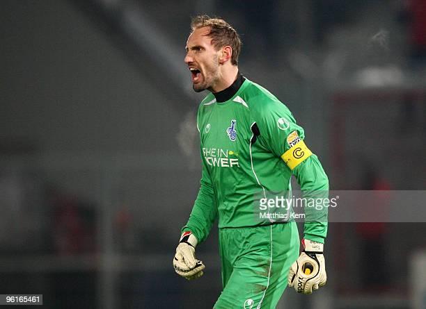 Tom Starke of Duisburg reacts during the Second Bundesliga match between FC Energie Cottbus and MSV Duisburg at the Stadion der Freundschaft on...