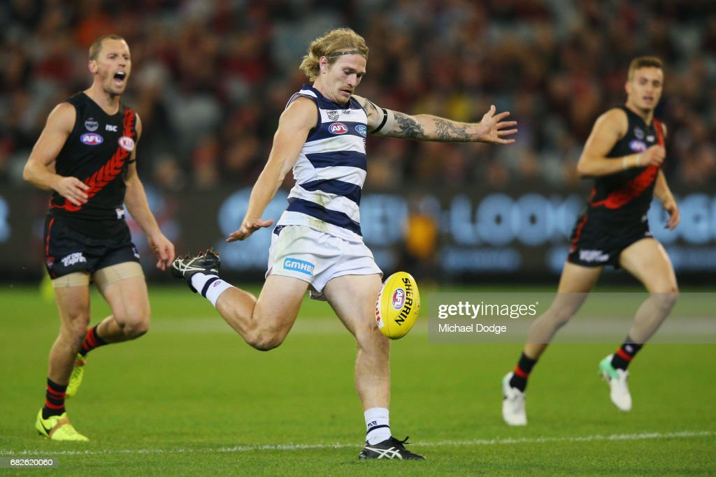 AFL Rd 8 - Essendon v Geelong : News Photo