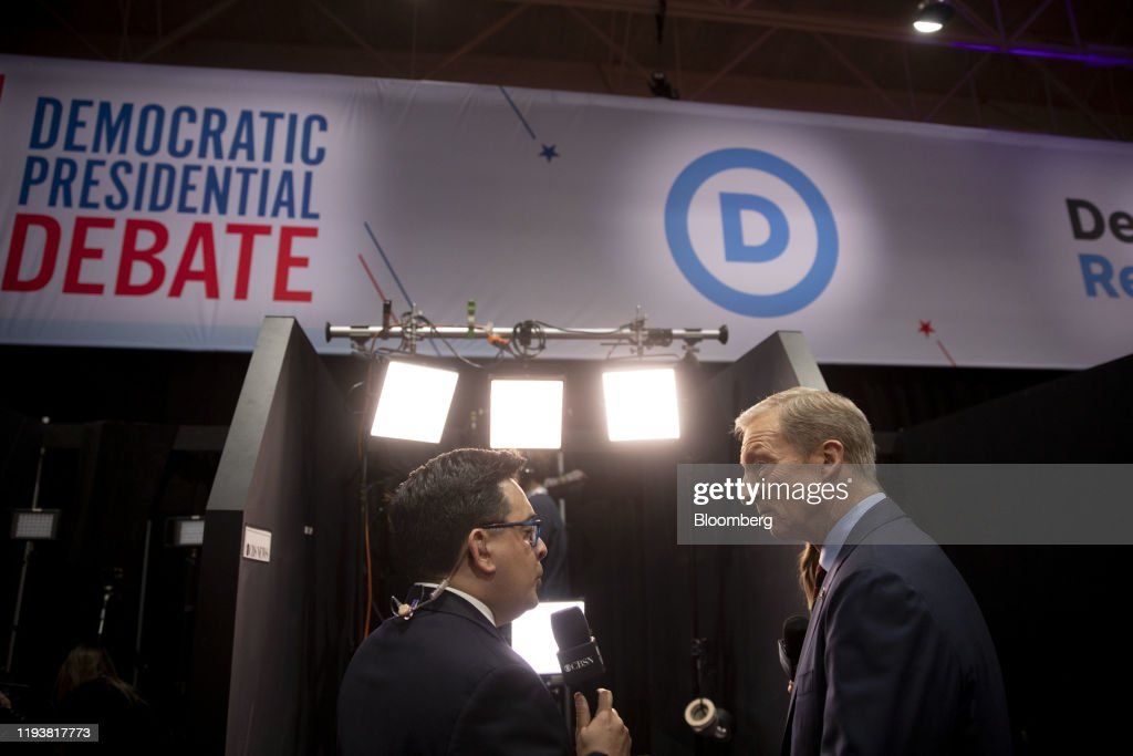 Candidates Attend Seventh 2020 Democratic Presidential Debate : News Photo