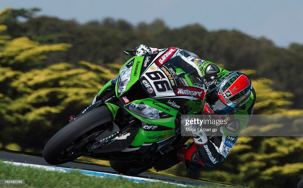 Tom Sykes of Great Britain and Kawasaki Racing Team rounds the bend during race 2 of the first round of the 2013 Superbike FIM World Championship at Phillip Island Grand Prix Circuit on February 24, 2013 in Phillip Island, Australia.