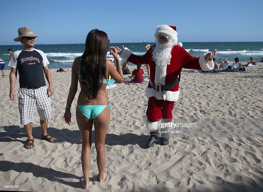 Santa Claus Hits The Beach In Miami : News Photo
