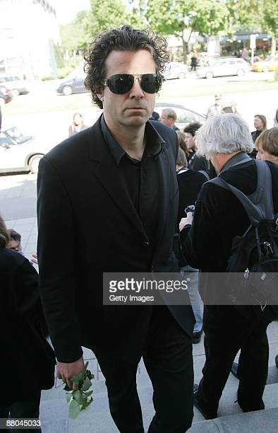 Tom Tykwer attends the funeral of German actress Barbara Rudnik at Nordfriedhof cemetery on May 29 2009 in Munich Germany