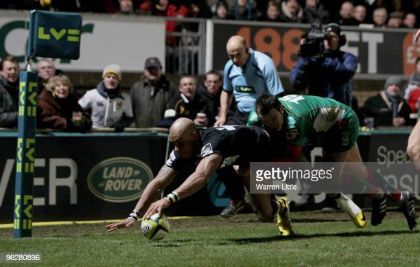 Tom Varndell of London Wasps scores a try during the LV=Cup between London Wasps and Llanelli Scarlets at Adams Park on January 30, 2010 in High...