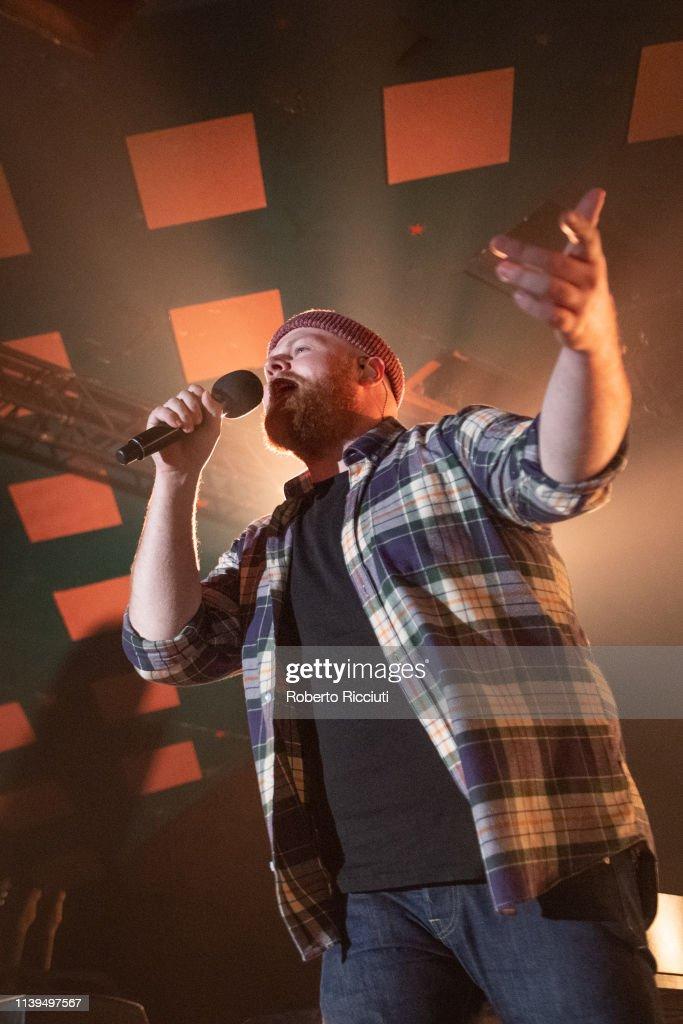 Tom Walker Performs At Barrowland Ballroom : News Photo
