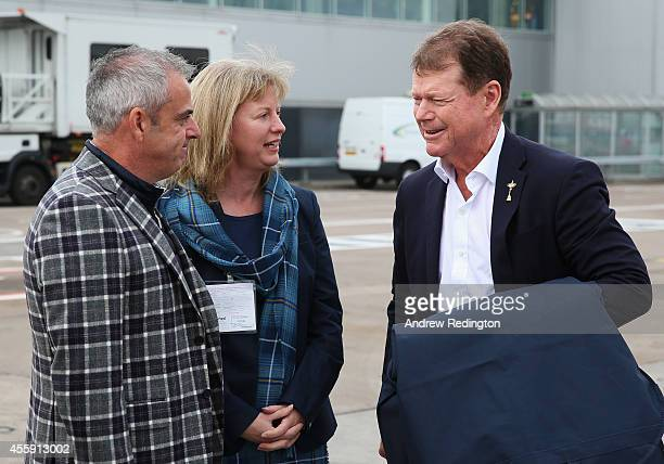 Tom Watson , Captain of the United States team talks to Paul McGinley , Captain of the Europe team and Shona Robison, Scotland's Minister for Sport...