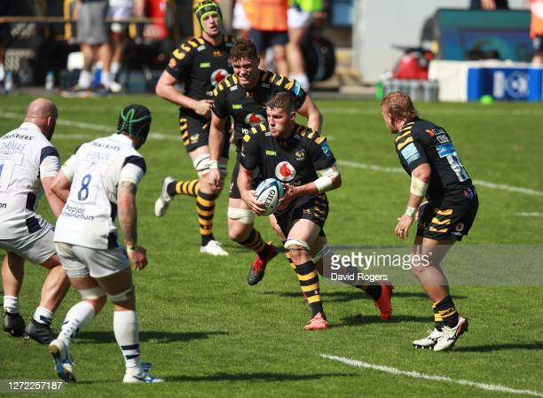 Tom Willis of Wasps charges upfield during the Gallagher Premiership Rugby match between Wasps and Bristol Bears at the Ricoh Arena on September 13...