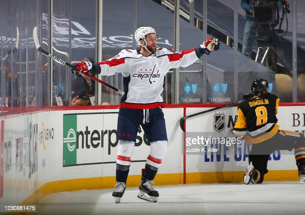 3 911 Tom Wilson Capitals Photos And Premium High Res Pictures Getty Images