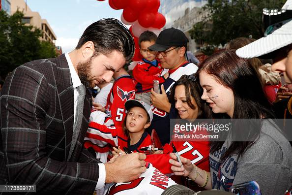 4 007 Tom Wilson Hockey Photos And Premium High Res Pictures Getty Images