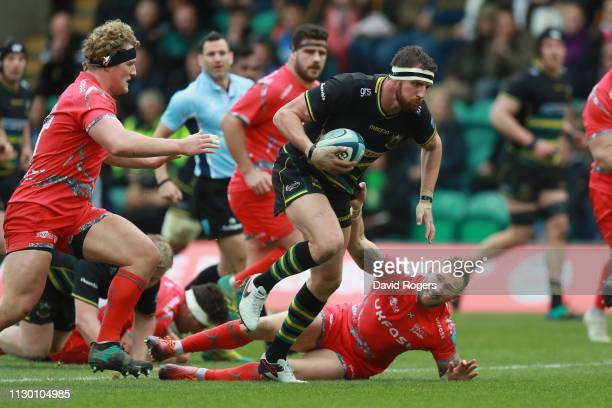 Tom Wood of Northampton Saints charges upfield during the Gallagher Premiership Rugby match between Northampton Saints and Sale Sharks at Franklin's...