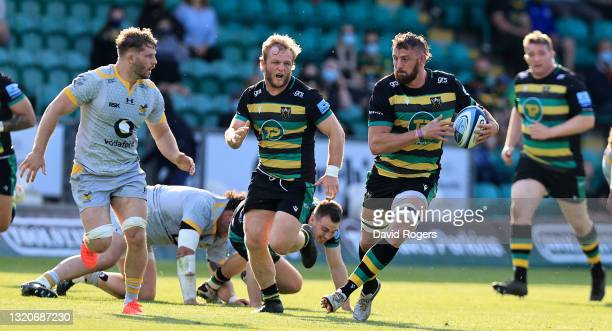 Tom Wood of Northampton Saints charges upfield during the Gallagher Premiership Rugby match between Northampton Saints and Wasps at Franklin's...