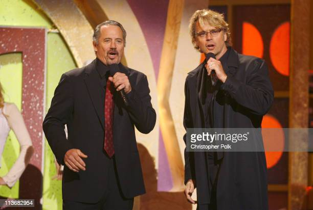 """Tom Wopat and John Schneider perform the theme from """"The Dukes of Hazzard"""""""
