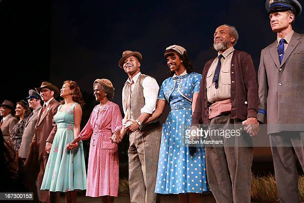Tom Wopat Vanessa Williams Cicely Tyson Cuba Gooding Jr and Condola Rashad during curtain call at the Broadway opening night of 'The Trip To...