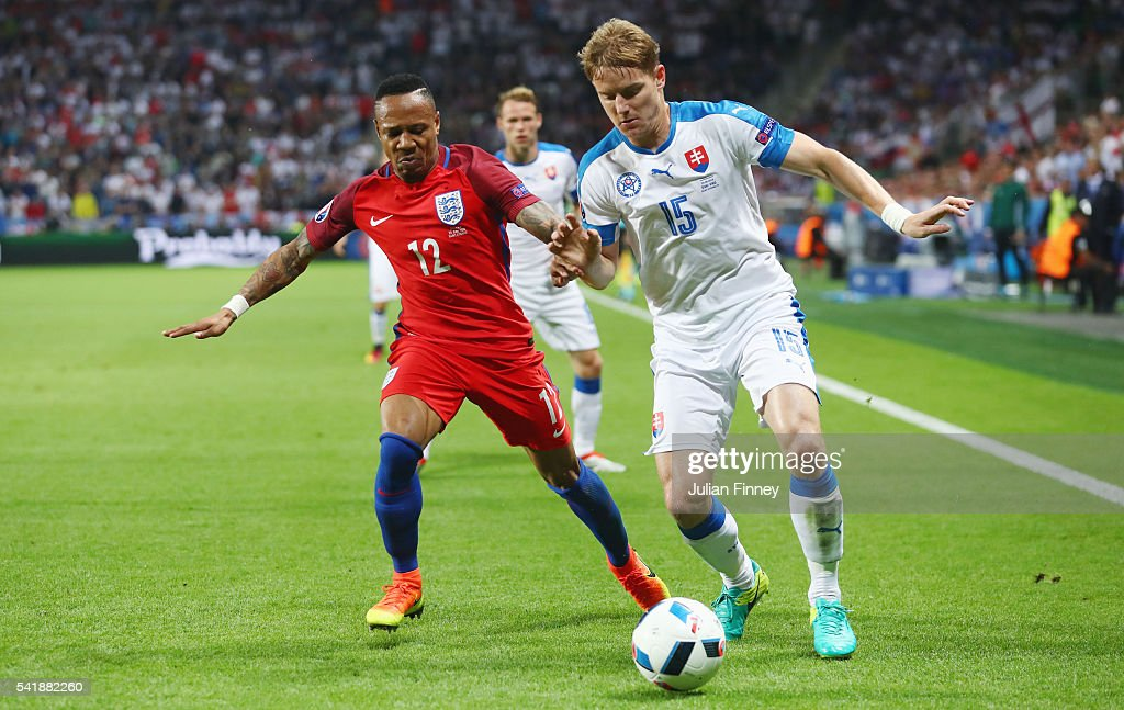 Slovakia v England - Group B: UEFA Euro 2016 : News Photo