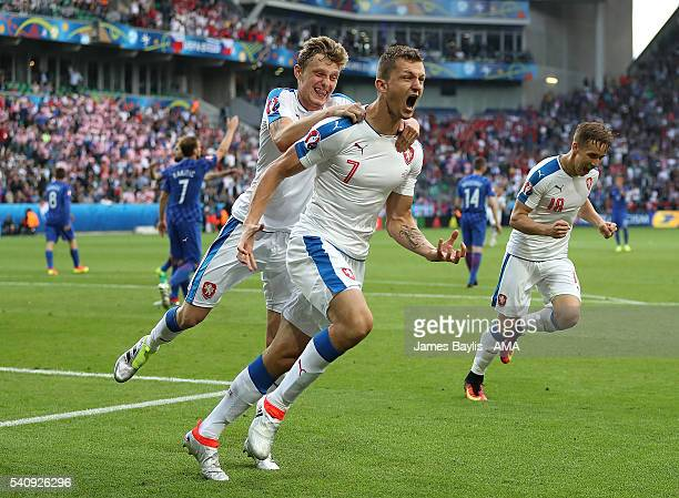 Tomas Necid of Czech Republic celebrates scoring a penalty to make the score 2-2 during the UEFA EURO 2016 Group D match between Czech Republic and...