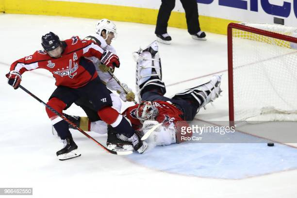 Tomas Nosek of the Vegas Golden Knights scores a goal on Braden Holtby of the Washington Capitals during the third period in Game Three of the 2018...