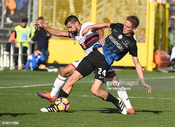 Tomas Rincon of Genoa CFC competes for the ball with Andrea Conti of Atalanta BC during the Serie A match between Atalanta BC and Genoa CFC at Stadio...