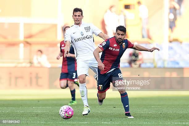 Tomas Rincon of Genoa CFC competes with Remo Freuler of Atalanta BC during the Serie A match between Genoa CFC and Atalanta BC at Stadio Luigi...