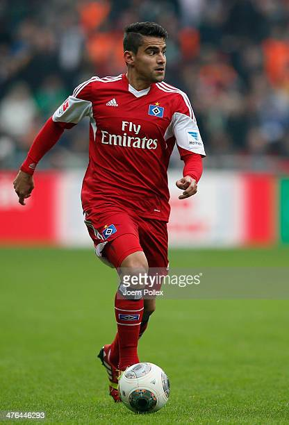 Tomas Rincon of Hamburg controls the ball during the Bundesliga match between Werder Bremen and Hamburger SV at Weserstadion on March 1 2014 in...