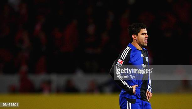 Tomas Rincon of Hamburg looks dejected after the Bundesliga match between FSV Mainz 05 and Hamburger SV at Bruchweg Stadium on November 28 2009 in...