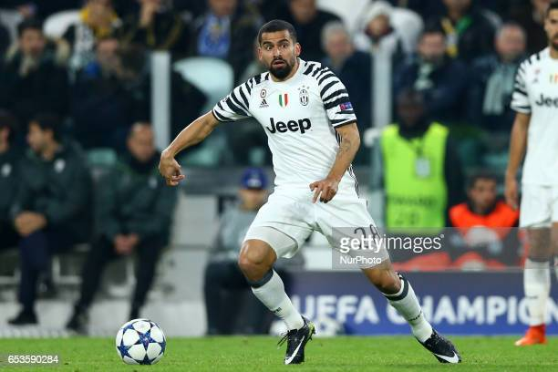 Tomas Rincon of Juventus during the UEFA Champions League Round of 16 second leg match between Juventus and FC Porto at Juventus Stadium on March 14...