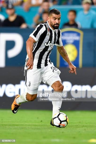 Tomas Rincon of Juventus in action during the International Champions Cup 2017 match between Paris Saint Germain and Juventus at Hard Rock Stadium on...