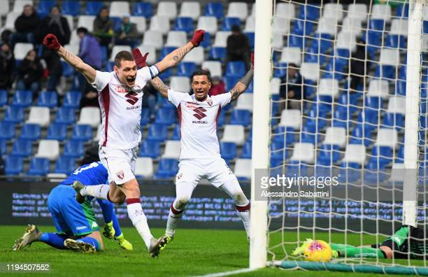 Tomas Rincon of Torino FC scores the opening goal during the Serie A match between US Sassuolo and Torino FC at Mapei Stadium Città  del Tricolore on...