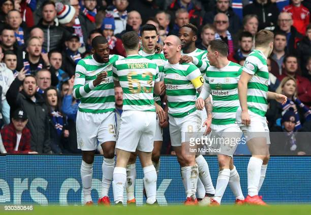 Tomas Rogic of Celtic celebrates after scoring his sides first goal with his Celtic team mates during the Ladbrokes Scottish Premiership match...