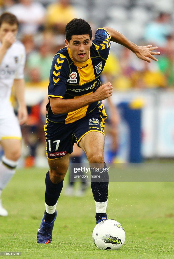 Tomas Rogic of the Mariners controls the ball during the round 20 A-League match between the Central Coast Mariners and the Wellington Phoenix at Bluetongue Stadium on February 18, 2012 in Gosford, Australia.