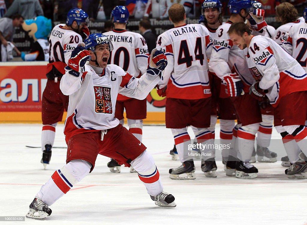 Sweden v Czech Republic - 2010 IIHF World Championship