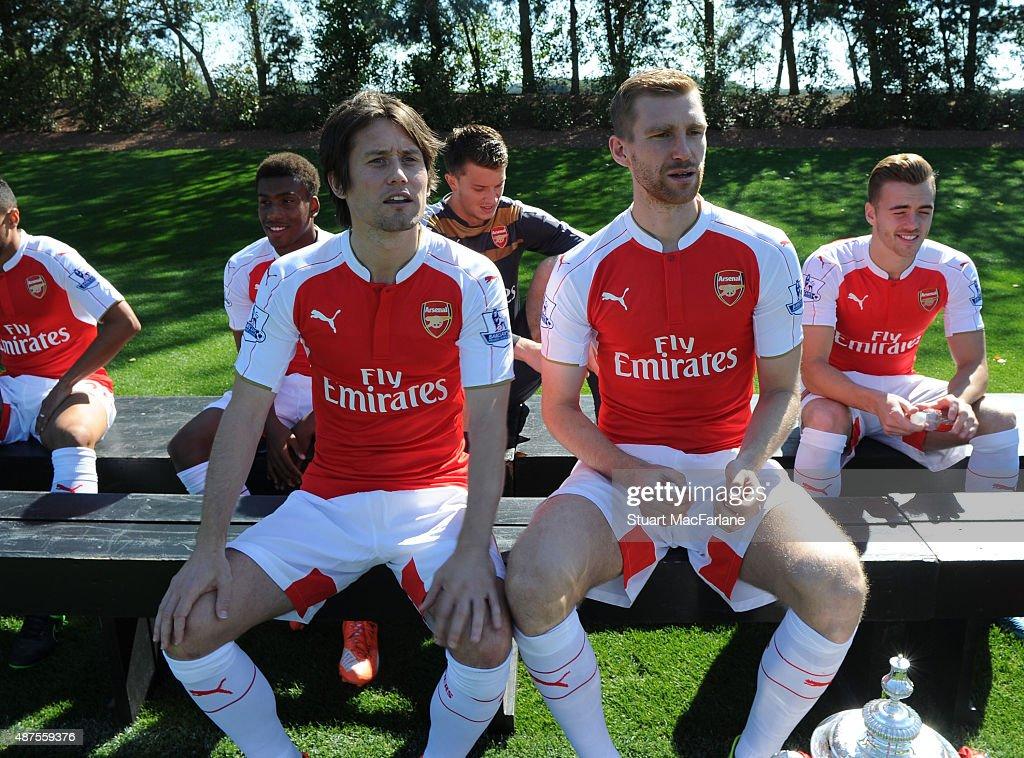 Arsenal 1st Team Squad Photograph : News Photo