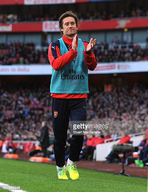 Tomas Rosicky applaude the Arsenal fans during the The Emirates FA Cup Fourth Round match between Arsenal and Burnley at Emirates Stadium on January...