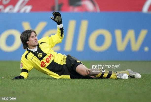 Tomas Rosicky Mittelfelspieler Borussia Dortmund Tschechien liegt auf dem Rasen und gestikuliert
