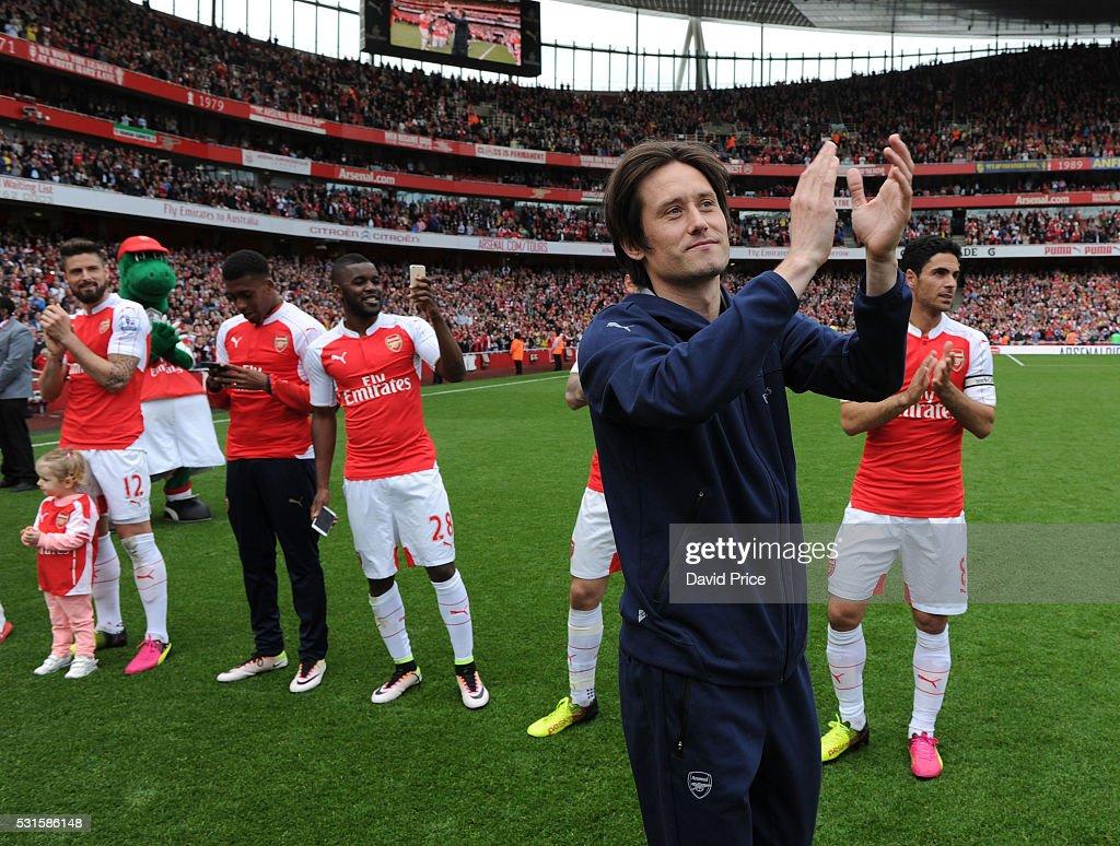 Arsenal v Aston Villa - Premier League : Fotografía de noticias