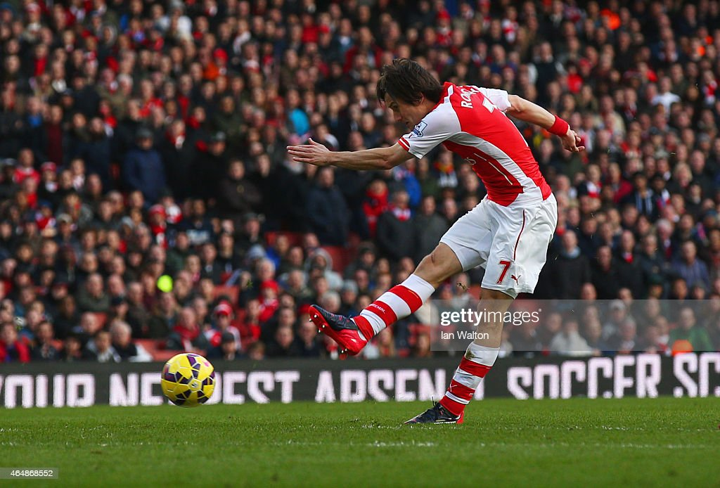 Tomas Rosicky of Arsenal scores their second goal during the Barclays Premier League match between Arsenal and Everton at Emirates Stadium on March 1, 2015 in London, England.
