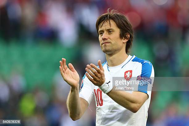 Tomas Rosicky of Czech Republic applauds supporters following the UEFA EURO 2016 Group D match between Czech Republic and Croatia at Stade...