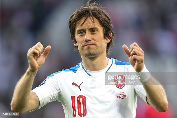 Tomas Rosicky of Czech Republic celebrates at the end of the UEFA EURO 2016 Group D match between Czech Republic and Croatia at Stade...
