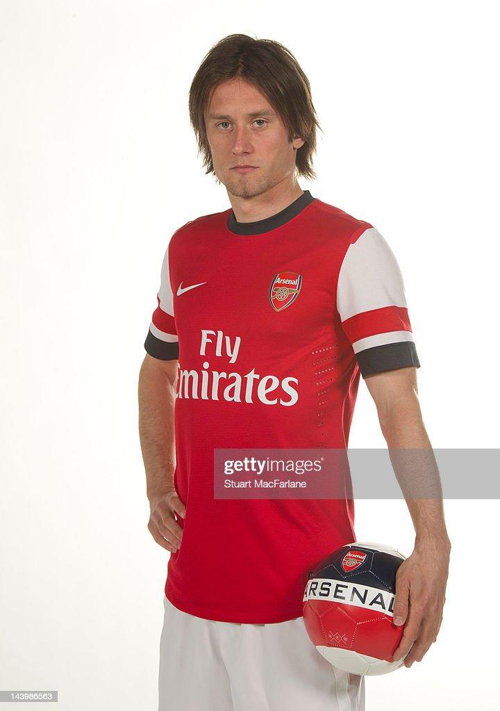 Arsenal Home Kit 2012/2013 Photo Shoot : ニュース写真