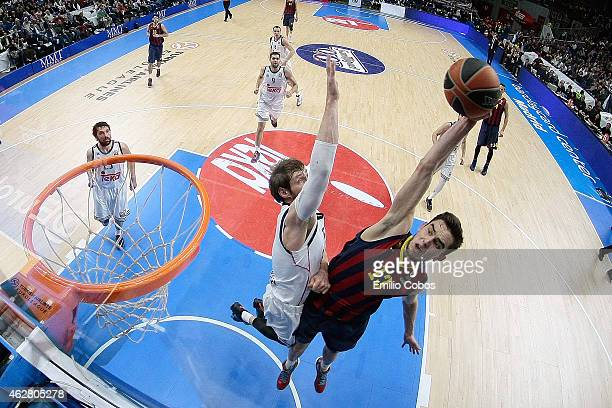Tomas Satoransky #13 of FC Barcelona in action during the Euroleague Basketball Top 16 Date 6 game between Real Madrid v FC Barcelona at Barclaydcard...