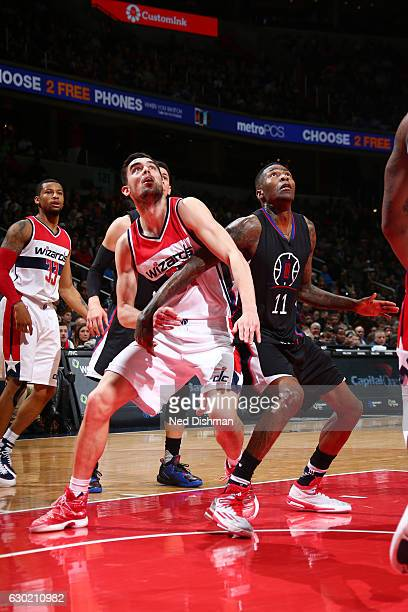 Tomas Satoransky of the Washington Wizards fights for position against Jamal Crawford of the LA Clippers during a game on December 18 2016 at the...