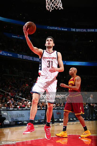 Tomas Satoransky of the Washington Wizards goes for the lay up during the game against the Cleveland Cavaliers on November 11 2016 at Verizon Center...