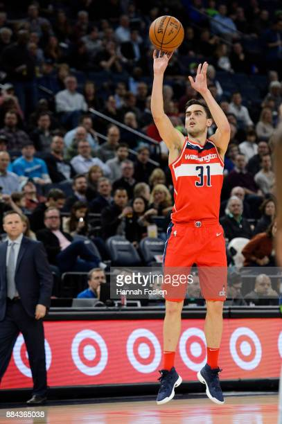 Tomas Satoransky of the Washington Wizards shoots the ball against the Minnesota Timberwolves during the game on November 28 2017 at the Target...
