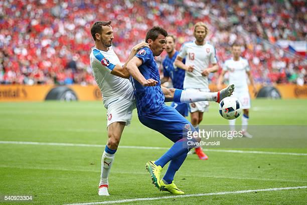 Tomas Sivok of Czech Republic puts pressue on Mario Mandzukic of Croatia during the UEFA EURO 2016 Group D match between Czech Republic and Croatia...