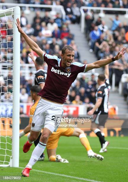 Tomas Soucek of West Ham United celebrates their side's first goal during the Premier League match between Newcastle United and West Ham United at...