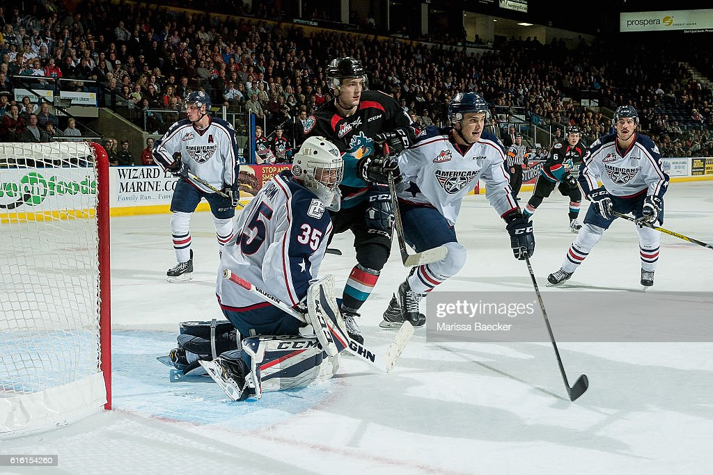Tomas Soustal #15 of the Kelowna Rockets looks for the pass in front of Beck Warm #35 of the Tri-City Americans on October 21, 2016 at Prospera Place in Kelowna, British Columbia, Canada.