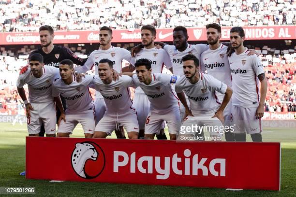 Tomas Vaclik of Sevilla FC Joris Gnagnon of Sevilla FC Daniel Carrico of Sevilla FC Sergi Gomez of Sevilla FC Maxime Gonalons of Sevilla FC Pablo...